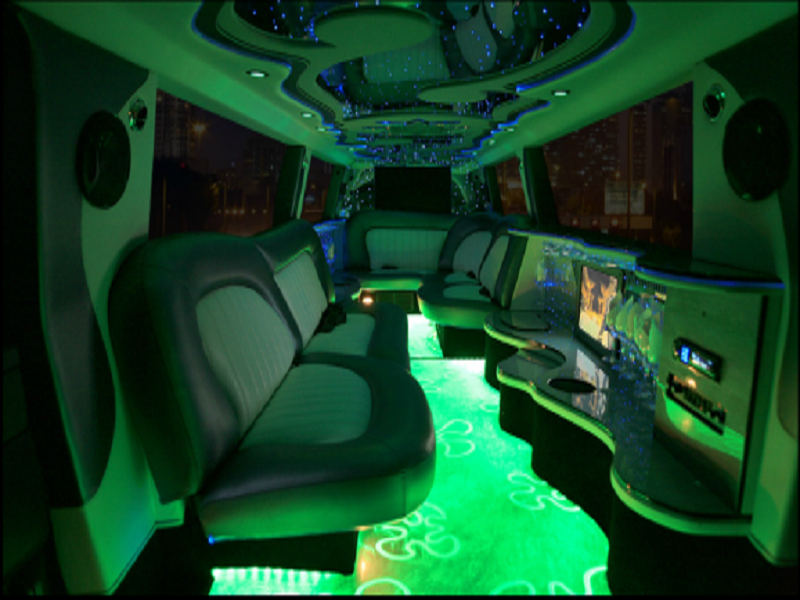 Range Rover Limo for Hire 5